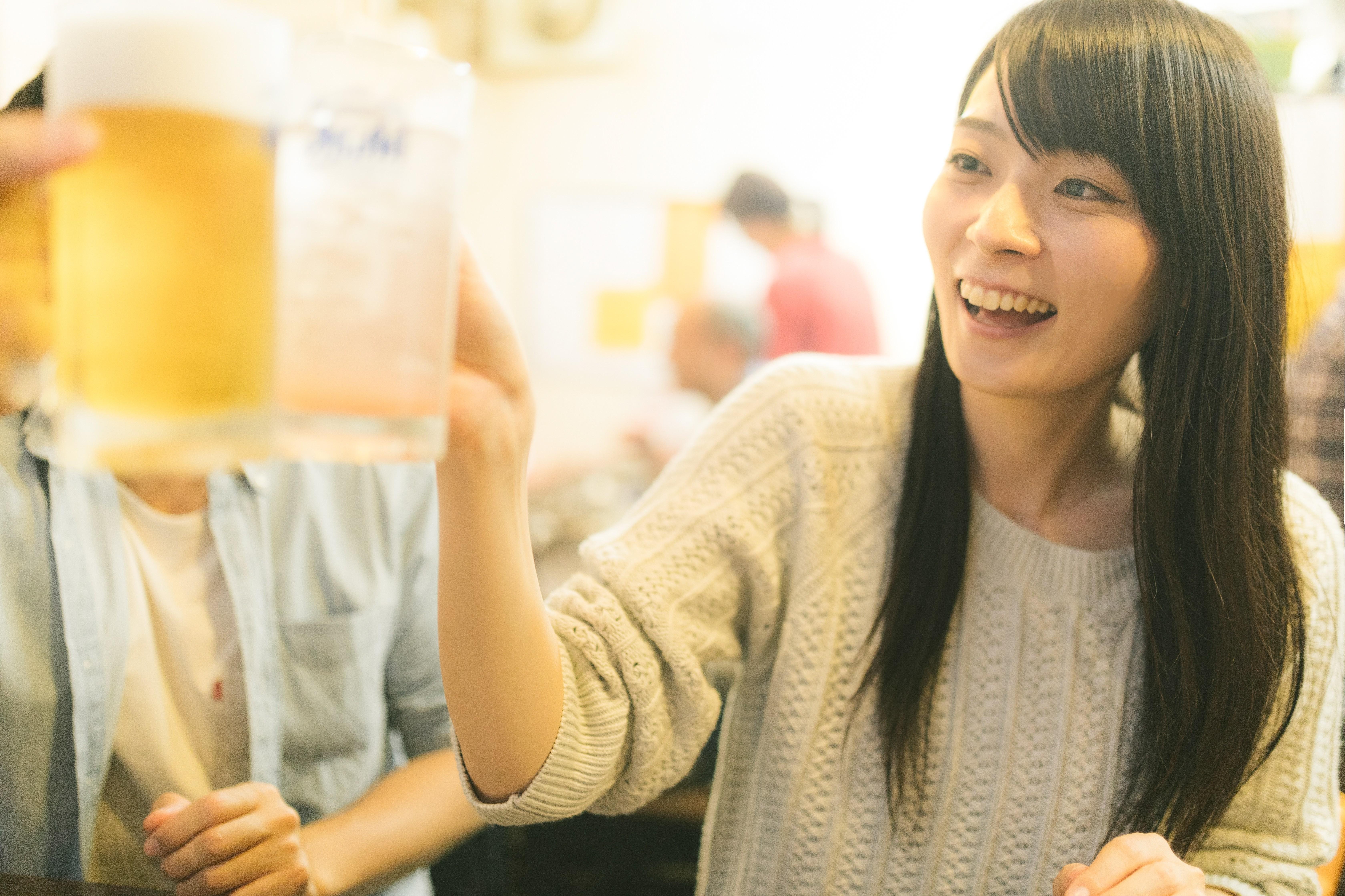 ▲▼朋友,聚餐,聚會,喝酒,乾杯,啤酒,慶祝,應酬(圖/取自免費圖庫Pakutaso)