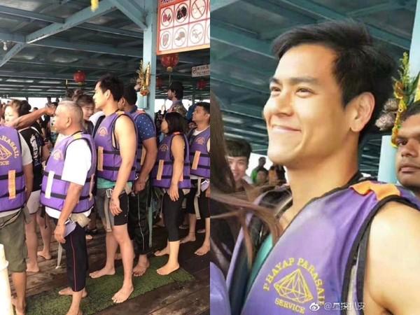 ▲▼彭于晏在泰國玩拖曳傘。(圖/翻攝自微博)