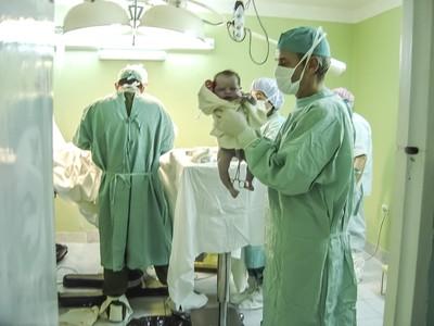 醫生誤將子宮拉出!22歲婦尖叫亡