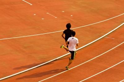跑步機VS跑操場 網推後者:不容易無聊