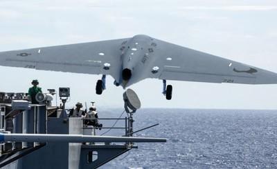 美無人機MQ-25首飛 空中加油飛2小時