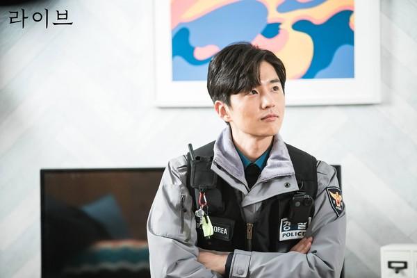 看《LIVE》認識南韓警察制度!肩膀上的符號洩漏階級啦