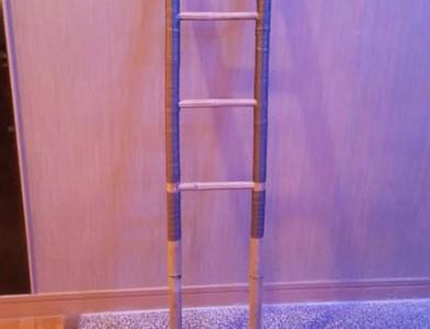 見單面梯詭靠摩鐵牆!內行笑解答