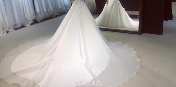 ▲▼張木易、AKAMA MIKI要結婚了。(圖/翻攝自張木易微博)