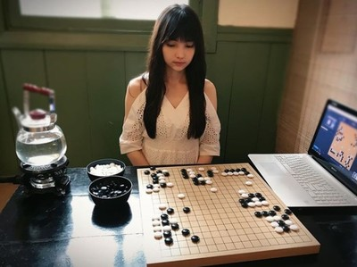 圍棋女神黑嘉嘉 征戰大陸職業賽