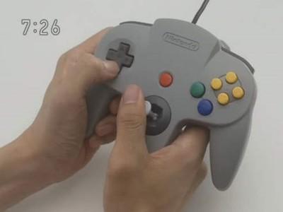 遊戲手把「握法大全」透露玩家個性 光是PS2就超過4種形式!