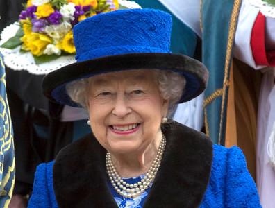 年薪200萬 英國女王徵社群小編