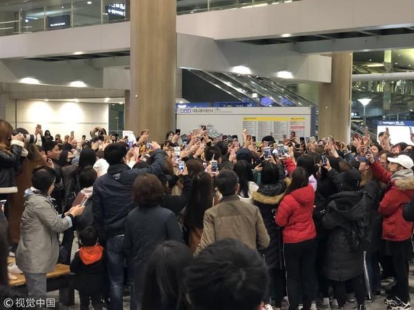 ▲易烊千璽為了拍攝廣告前往首爾仁川機場。(圖/視覺中國CFP)