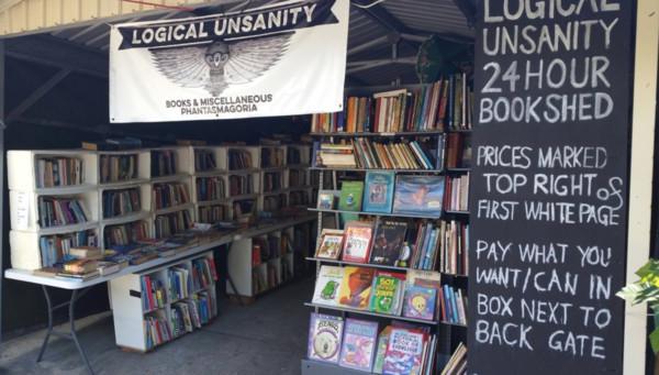 澳洲24小时铁皮无人书店顾客自己定价 意外成为忧郁庇护所