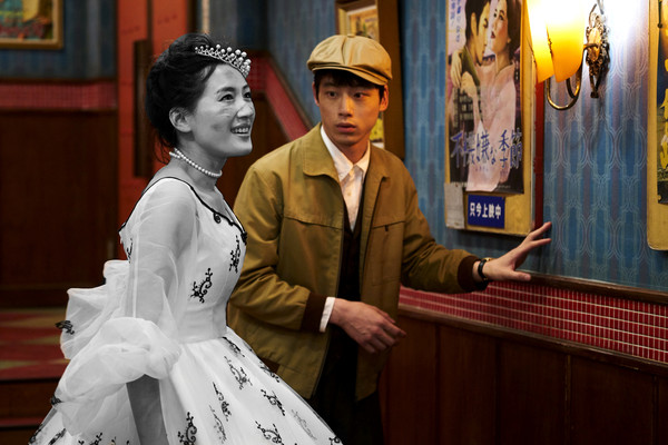 ▲▼《今夜在浪漫劇場與妳相遇》綾瀨遙(右)與坂口健太郎(左)首度搭檔主演。(圖/采昌提供)
