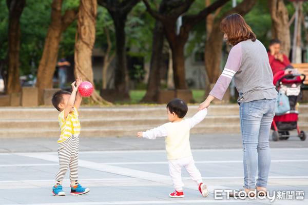 ▲▼兒童遊戲,小孩,公園玩樂,幼兒。(圖/記者季相儒攝)