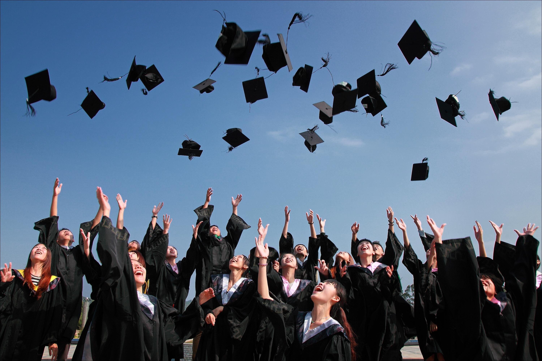 ▲▼畢業、畢業季、學生、學士服、學校、上課、讀書             。(圖/取自免費圖庫pexels)