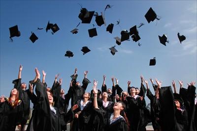 新鮮人期望月薪 調查:大學畢業29K、研所32K