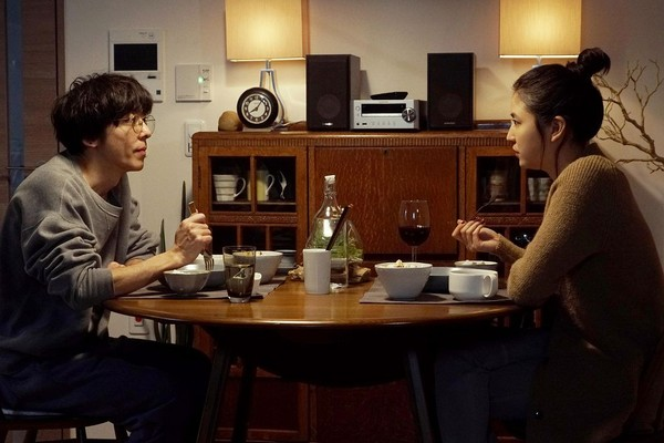 ▲▼《愛上謊言的女人》長澤雅美和高橋一生同居五年,才發現對方一切都是謊言。(圖/車庫娛樂提供)