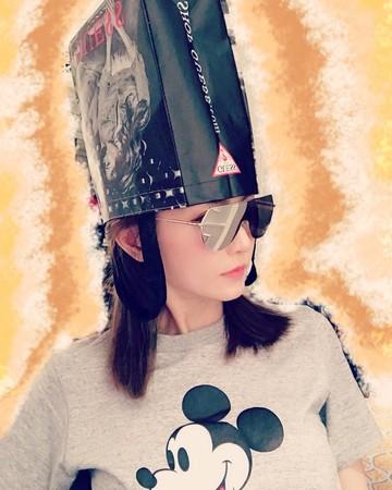 ▲▼謝金燕剪短髮大哭「新造型」曝光(圖/翻攝自謝金燕臉書、IG)