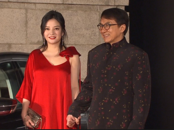 ▲▼第37屆香港電影金像獎成龍、趙薇。(圖/翻攝自TFI)