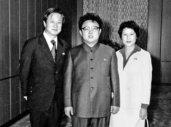 ▲▼南韓影后崔銀姬曾被北韓領導人金正日綁架。(圖/翻攝自網路)