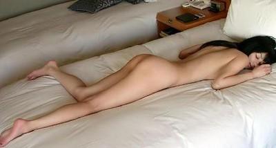 裸睡7大好處 可惜少男不適合......