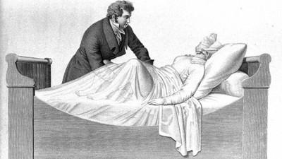 幫女性「摳到高潮」能治歇斯底里?古代醫尻到心累發明按摩棒