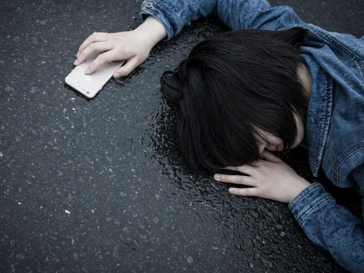 ▲▼車禍,跌倒,昏迷,昏倒,暈倒,摔車。(圖/取自pakutaso)