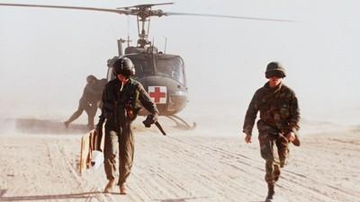 忍痛砍斷同僚大腿…軍醫憶伊拉克戰爭:只能甩開恐懼前進