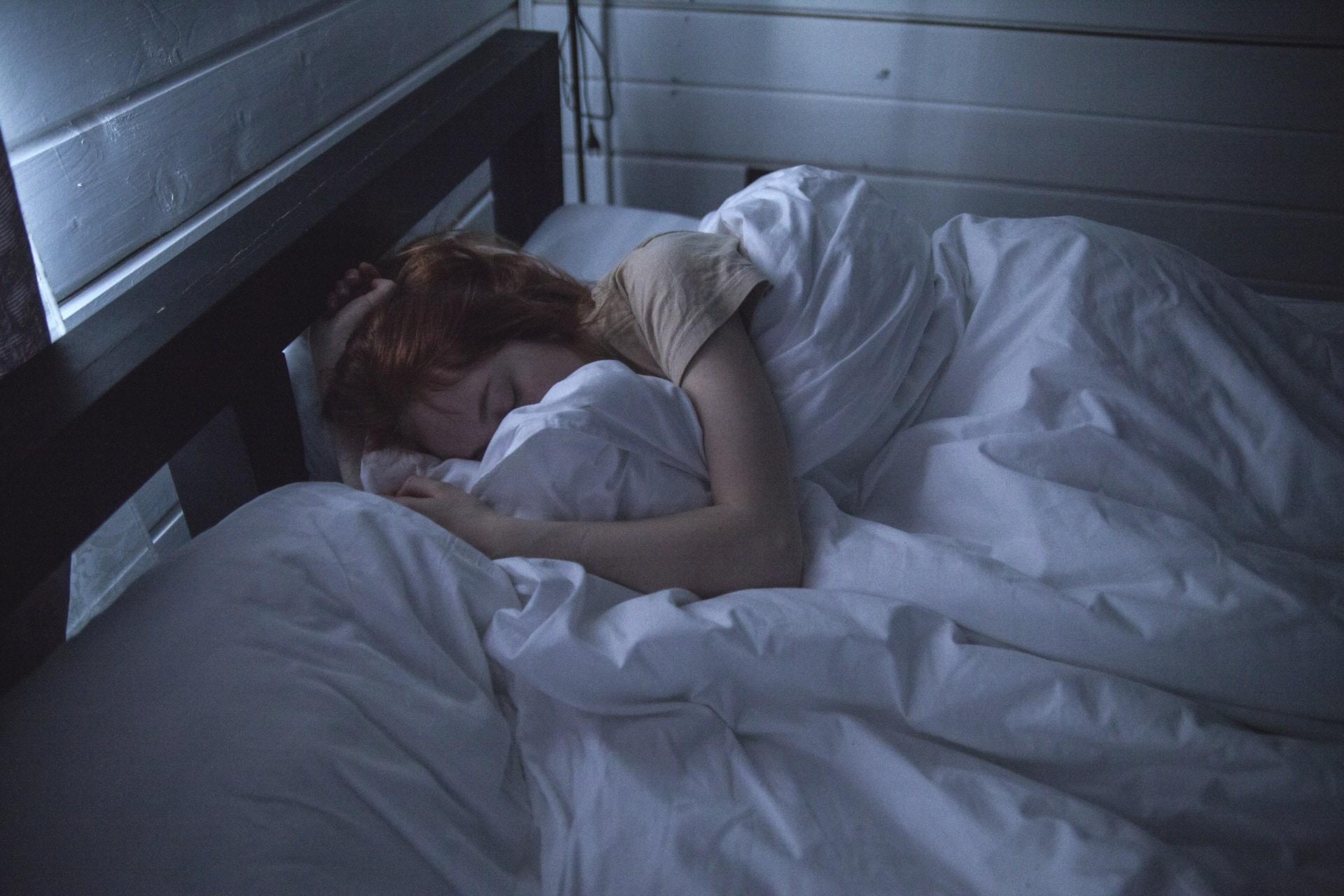▲睡覺,床。(圖/翻攝PEXELS)