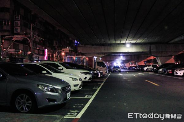 追繳停車費出新招 柯文哲令:禁停公有停車場、停路邊貼「欠錢」 | ETt