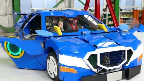 ▲變形金剛是真的!日本開發機器人原型「J-deite RIDE」。(圖/翻攝自J-deite RIDE)
