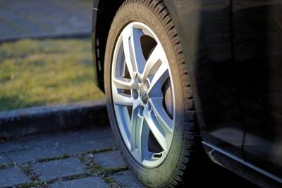 海洋「塑膠微粒」30%來自輪胎!磨損+煞車隨時產生汙染