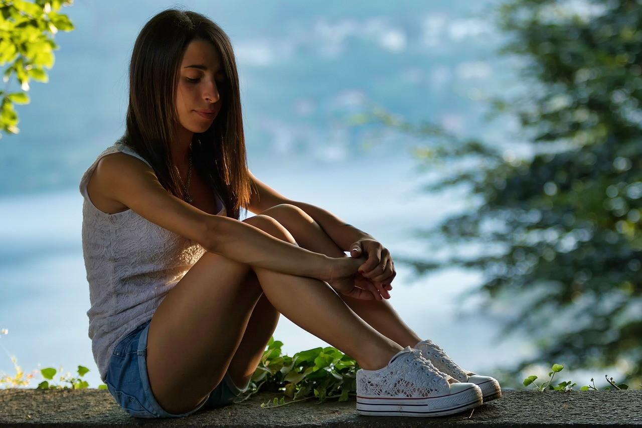 ▲女孩,女人,愛情,憂傷,自卑,難過,孤獨,單身。(圖/翻攝自pixabay)