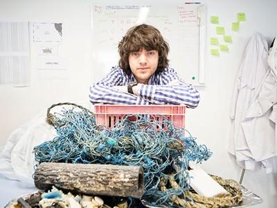 他會成為「海洋救世主」嗎?19歲槓上垃圾島 小鮮肉發明家準備好了