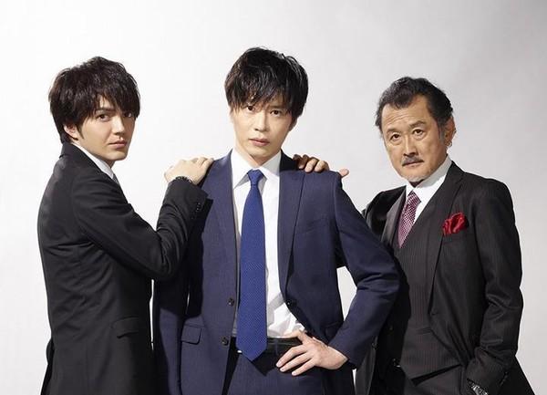《大叔之愛》中,春田(中)被上司黑澤(右)與室友小牧迷戀。
