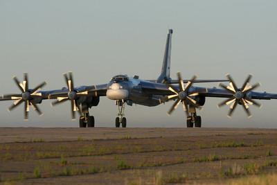 俄Tu-95MS通過日本海 日韓戰機急升空