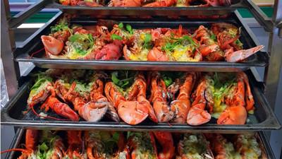 南韓77塊錢營養午餐 端上桌竟有「焗烤龍蝦」豪邁讓學生吃到爽