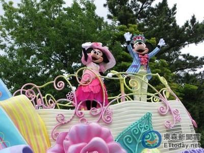 迪士尼打掃員太可愛 根本街頭藝人!