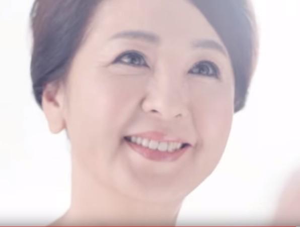 ▲林筱薇出身富裕家庭,媽媽也是廣告界的大明星,常扮演貴婦角色。(圖/翻攝自YouTube)