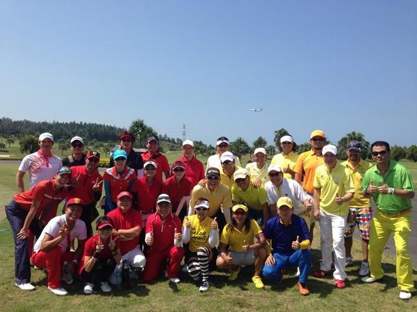▲林筱薇愛打高爾夫球,和許多明星都是球友。(圖/取自臉書)