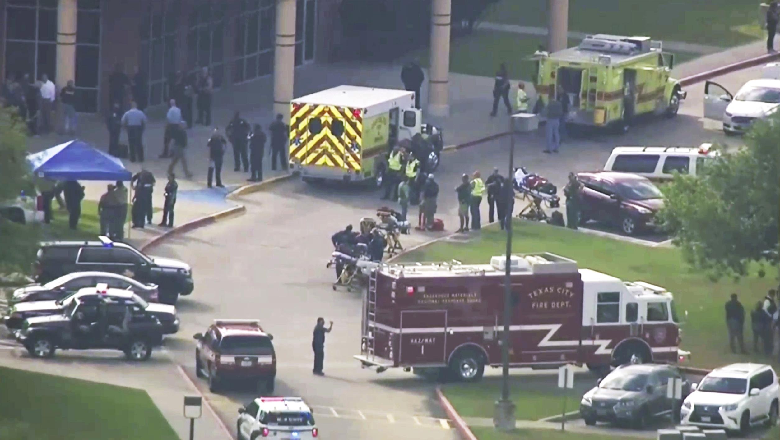 ▲美國德州休士頓的聖塔菲(Santa Fe)高中發生槍擊案,至少8死。(圖/達志影像/美聯社)
