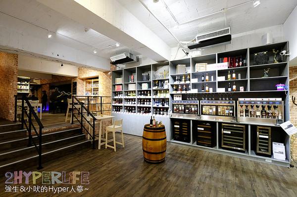 ▲▼台中 Lovewine葡萄酒專賣店&法式餐廳。(圖/強生與小吠的Hyper人蔘提供,請勿任意翻攝以免侵權)