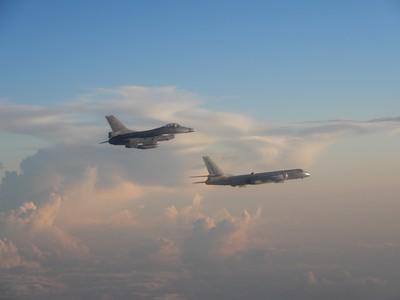 中俄轟炸機逼釣魚台 險闖日領空