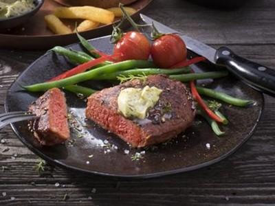 台灣素火腿比它早!荷蘭號稱做出全球第一塊「純蔬菜做的」牛排