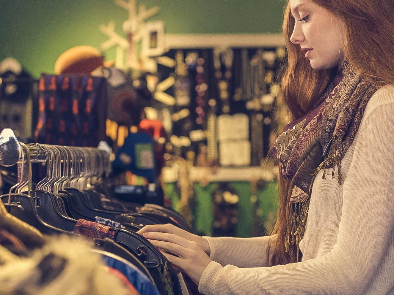 ▲4步驟教你鑑定衣服品質好壞。(圖/取自LibreStock)