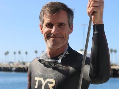 曾73天泳渡大西洋!51歲猛將再下海:這次游過太平洋