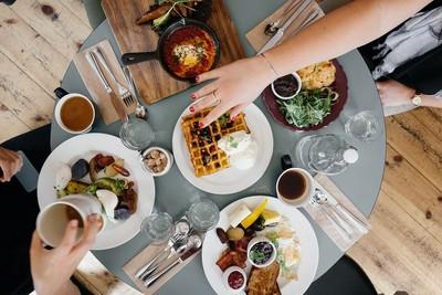 法國人的餐桌:不只是吃飯這件事