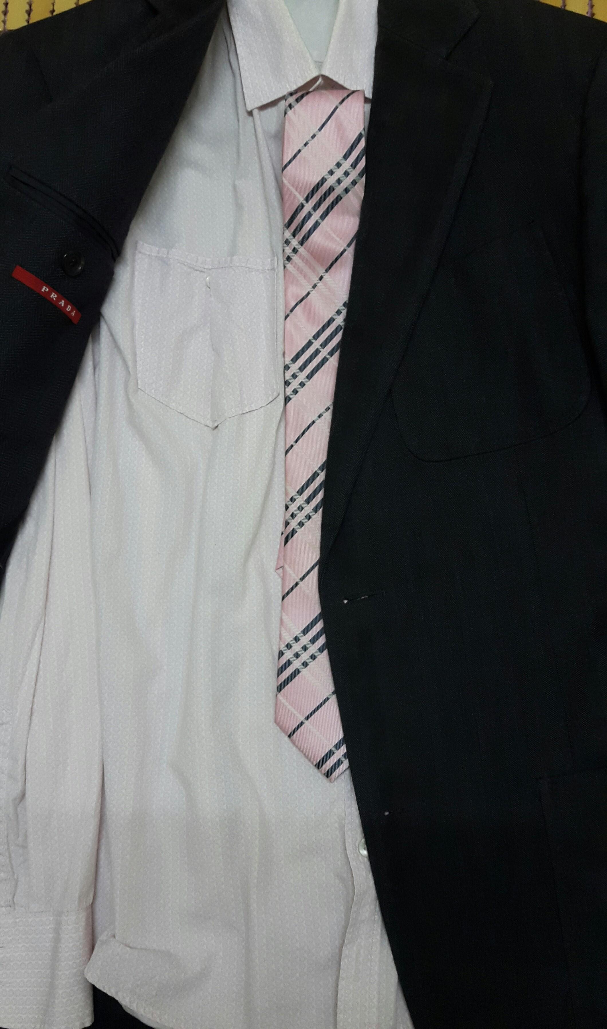 ▲▼搞錯穿衣潛規則被白眼 他出差曼谷險因「穿黑衣」搞砸工作(圖/小檸檬供稿專用)