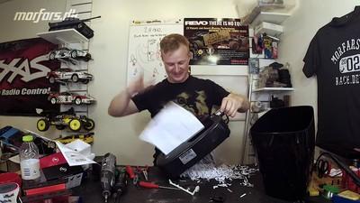 1秒滅證!魔改「4萬轉碎紙機」超高速吞紙 手手咬進去還得了
