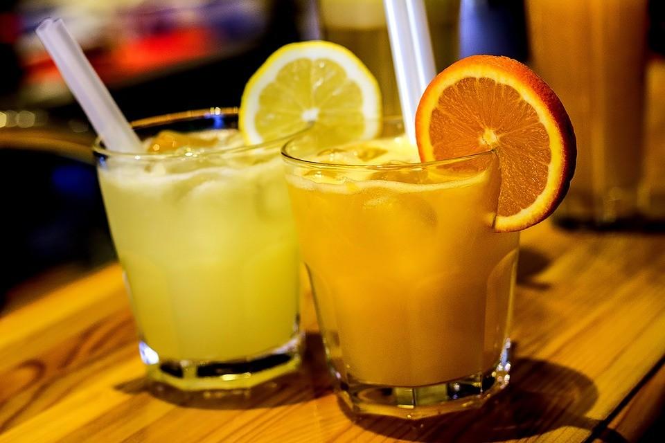 ▲檸檬汁,果汁,柳橙汁。(圖/取自免費圖庫pixabay)