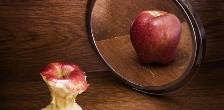 鏡子蘋果(圖/翻攝自webconsultas)