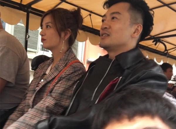 ▲趙薇和蘇永朋相隔20年,被拍到在法國同框。(圖/取自「邵小樣」、「GS蝸牛小姐愛大蒜」、《新浪娛樂》微博)