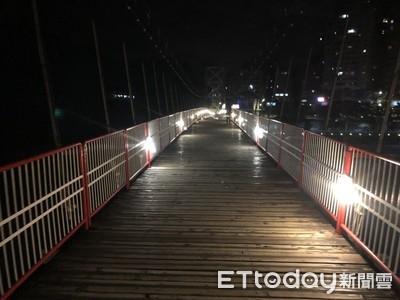 10人夜衝碧潭!見橋上「紅高跟鞋女」全生病